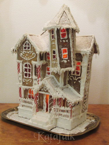 The 2016 gingerbread house - 11