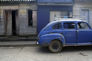 Rear side of a blue car, Baracoa | by a n j a