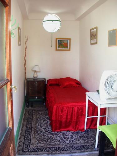 Decoracao De Quarto Solteiro Duplo ~ Our Single room  Kragen got us a room at a hostel for the w
