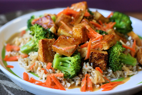 Soy-Mirin Tofu Over Rice with Broccoli and Peanut Sauce | by teenytinyturkey