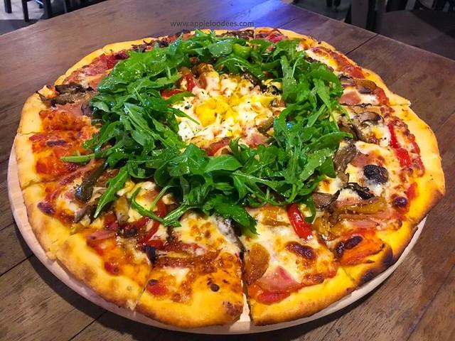 Fratello Pizza Famiglia 16 inch pizza