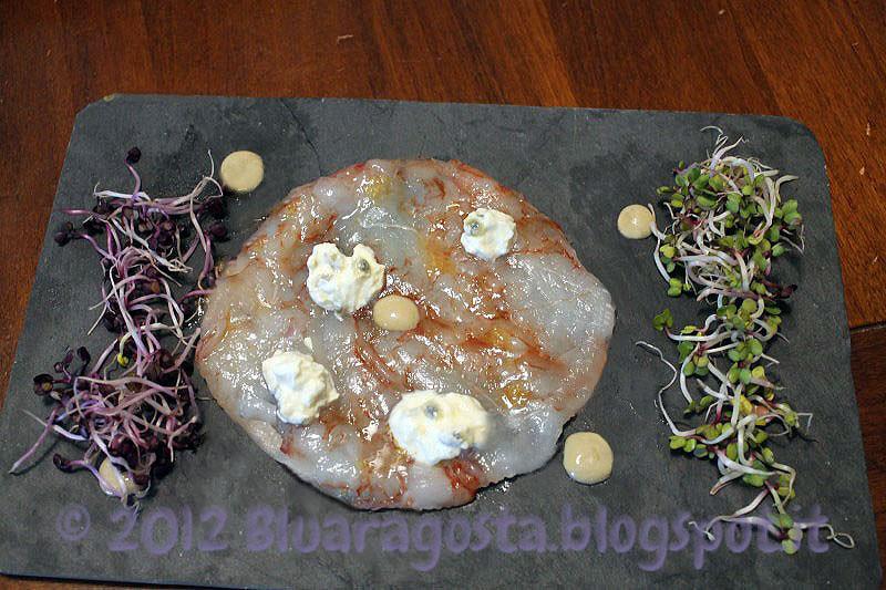 2-carpaccio di gamberi con burrata al frutto della passione e riduzione di bagna caoda