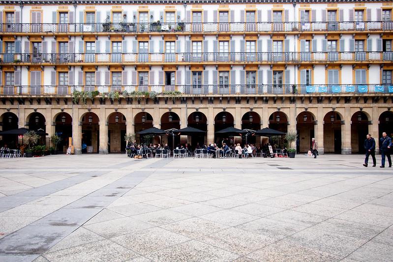 Constitución Plaza