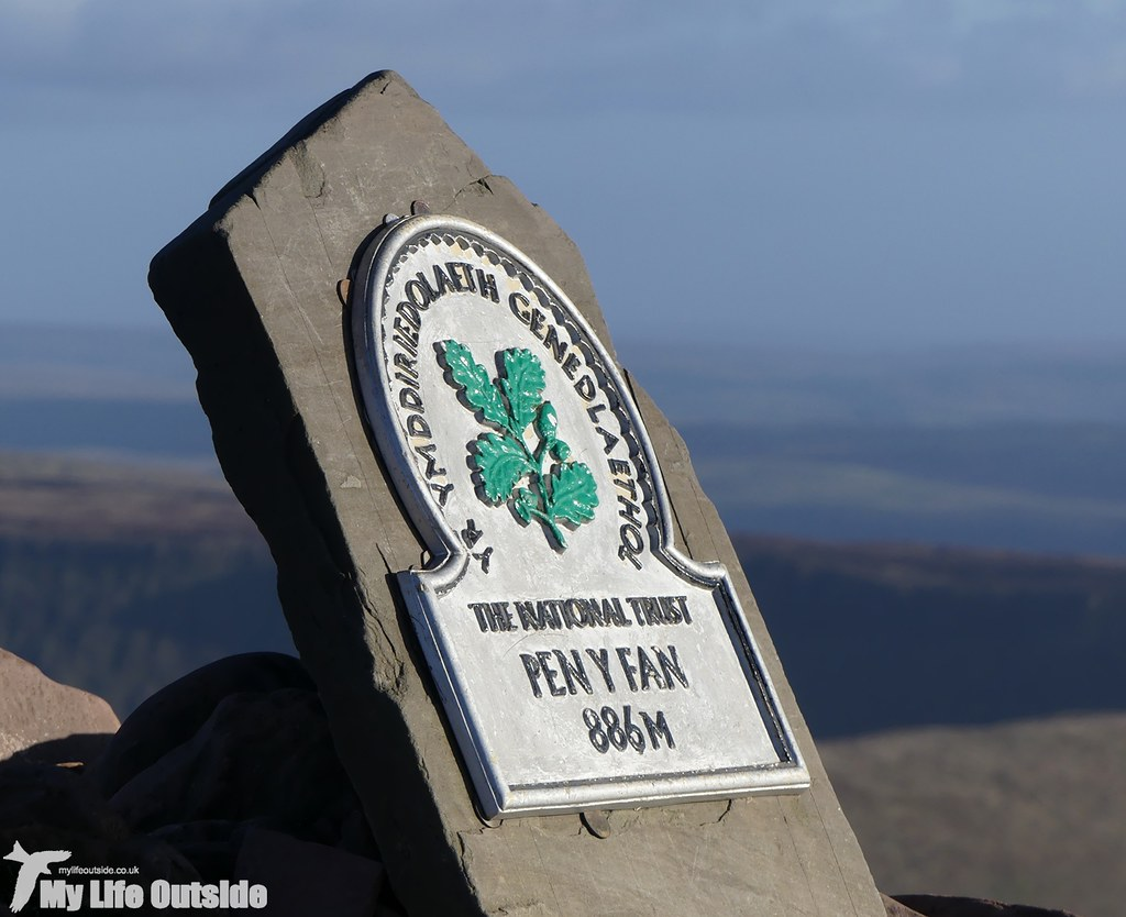 P1060143 - Pen y Fan, Boxing Day 2016