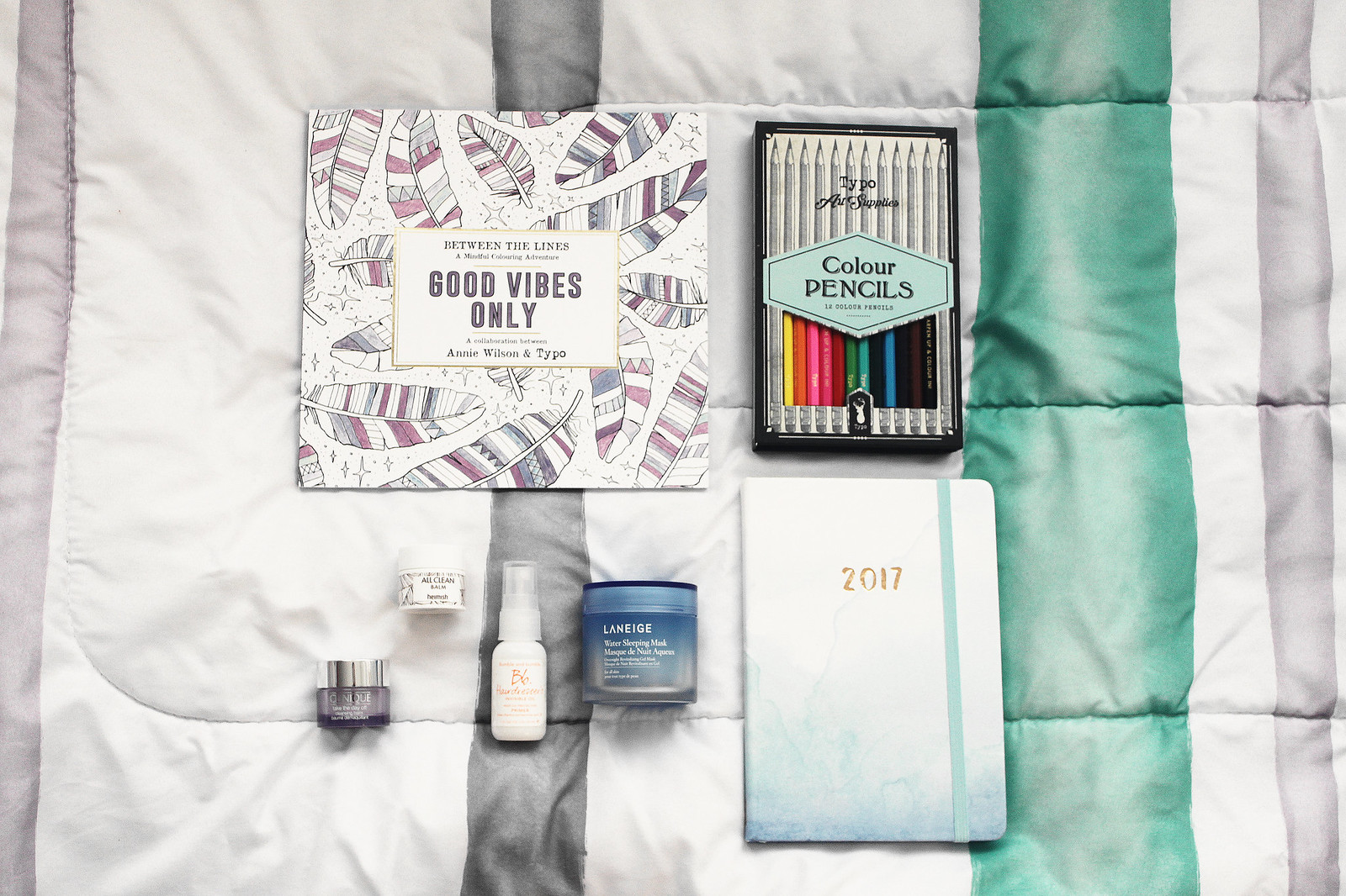 3156-lifestyle-fashion-beauty-makeup-typo-cottonon-clothestoyouuu-elizabeeetht-minimalistic-flatlay