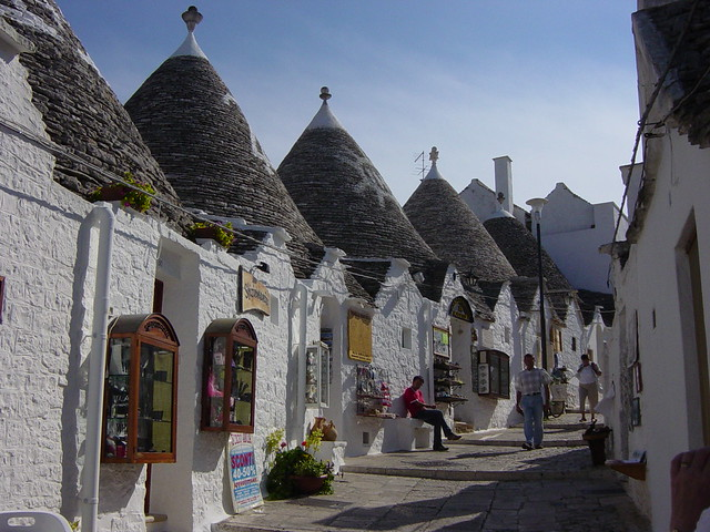 ARC Trulli shops Alberobello