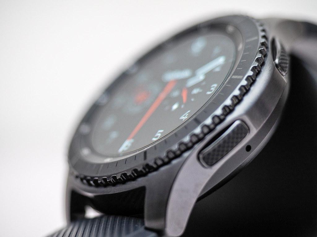 Samsung Gear S3 Frontier smart watch - Huislaw com