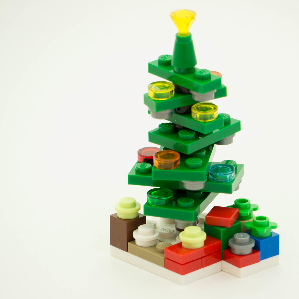 Christmas Build Up 2016 Day 14 MOC