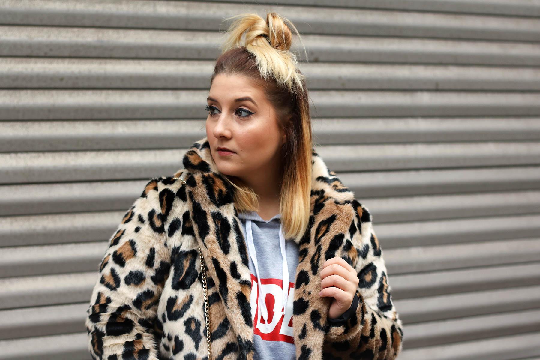 outfit-modeblog-fashionblog-fashionpassionlove-leo-mantel-trend-mantel-winter-sneaker-adidas3 (1 von 1)
