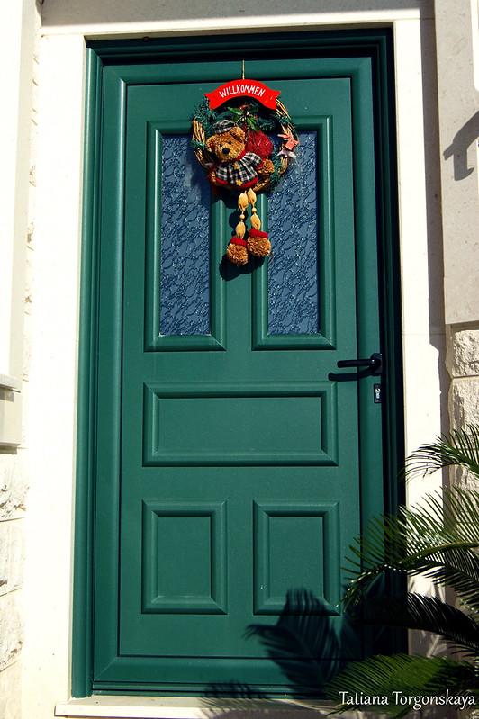 Венок на входной двери