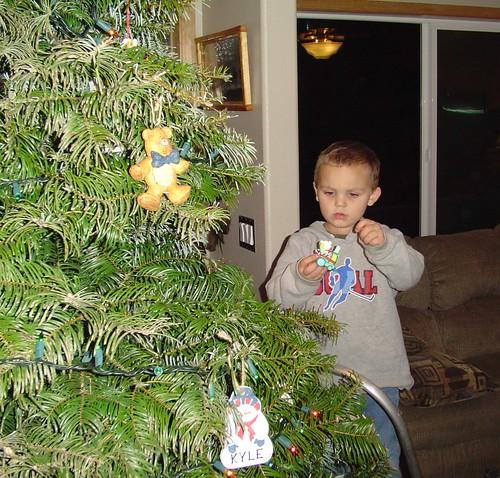 Decorating Christmas Tree With Gf