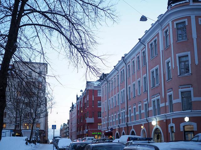 P1050711.jpgUllanlinnaHelsinkiStreetViewBuildingsWInter,P1050716.jpgPastelPinkOldBuildingHelsinkiUllanlinna, pastellinen vaaleanpunainen vanha rakennus, ullanlinna, helsinki, suomi, finland, old buildings, lovely pastel pink building, pietarinkatu, neitsytpolku, kulma, corner, keskusta, downtown, stunning architecture, upea arkkitehtuuri, winter, talvi, maisema, view,