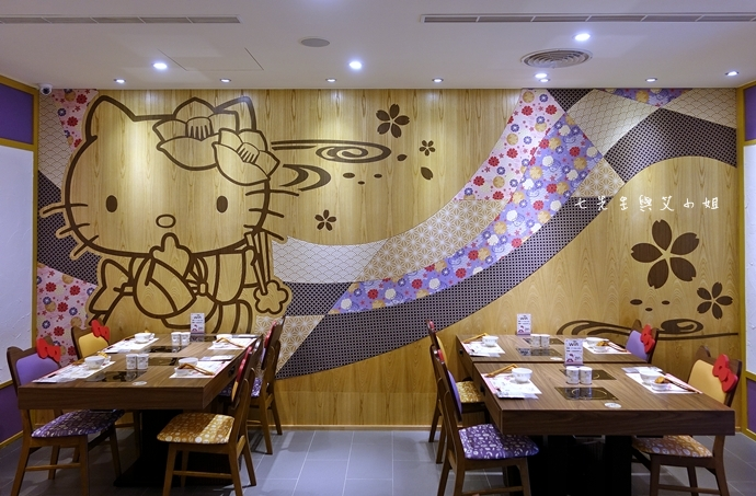 12 HELLO KITTY Shabu-Shabu 火鍋二號店 Hello Kitty  火鍋