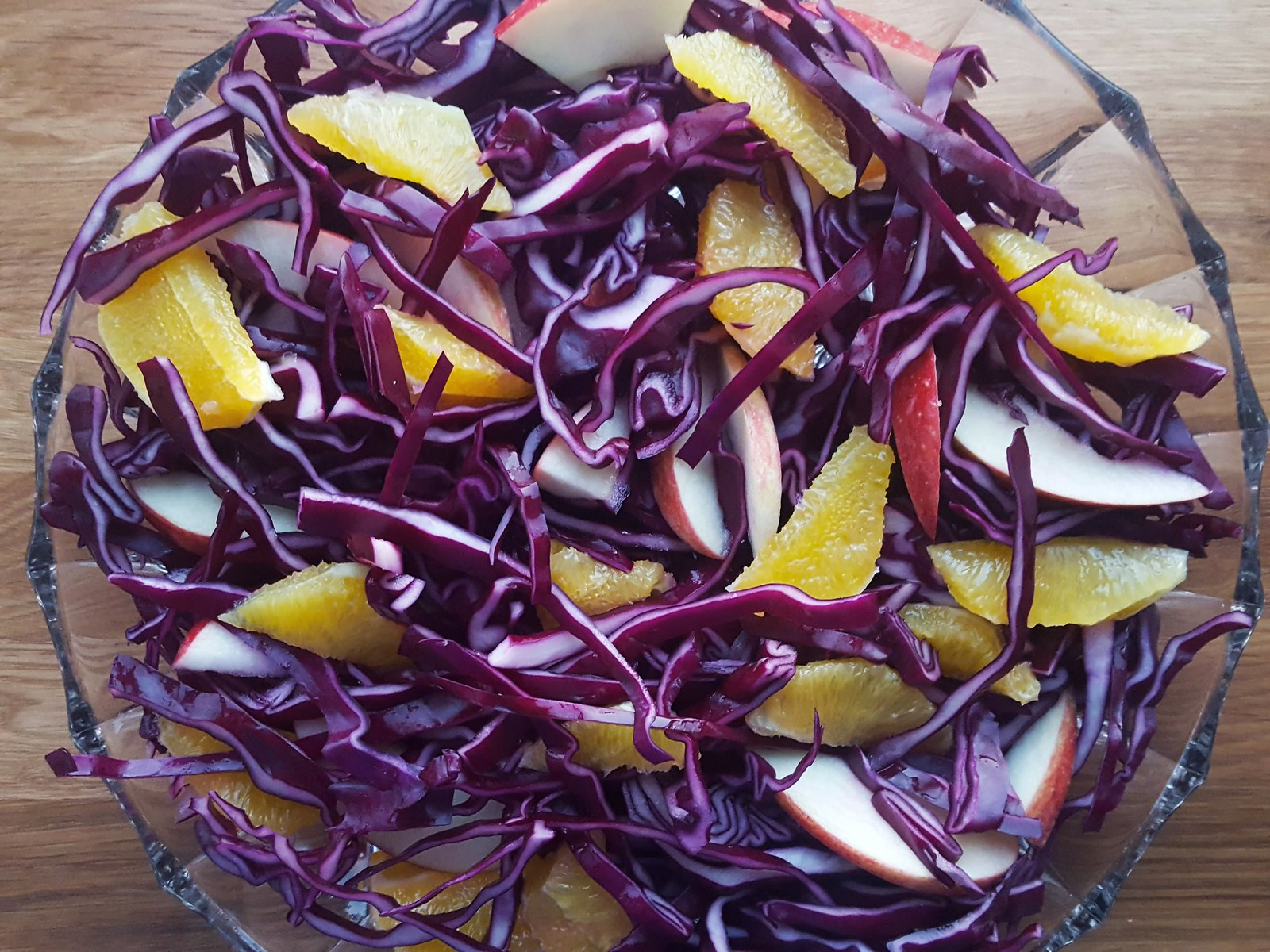 Recipe for Homemade Red Cabbage, Orange and Apple Salad