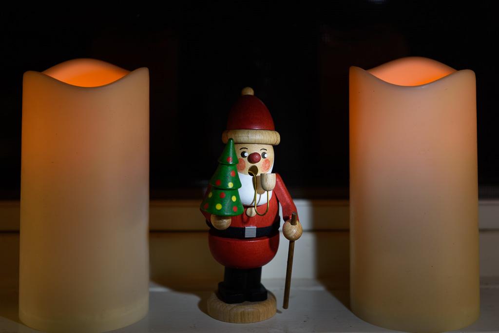 20161219_Santa_&_Candles_001