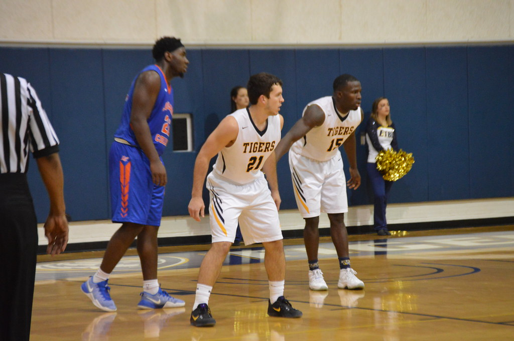 ETBU Men's Basketball vs. LC