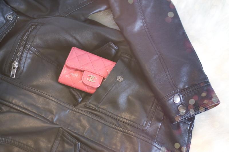 faux-leather-jacket-pocket-chanel-wallet-8