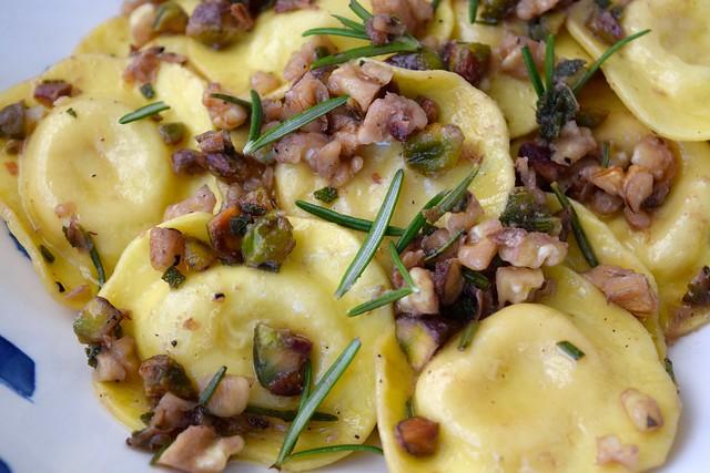 Ravioli in Nutty Herby Butter | www.rachelphipps.com @rachelphipps