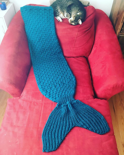 Mermaid tail blanket, done and ready to be wrapped. 🐬 #knitting #mermaidtailblanket