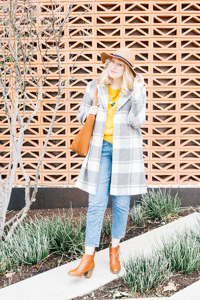 austin style blogger grey coat mustard sweater9