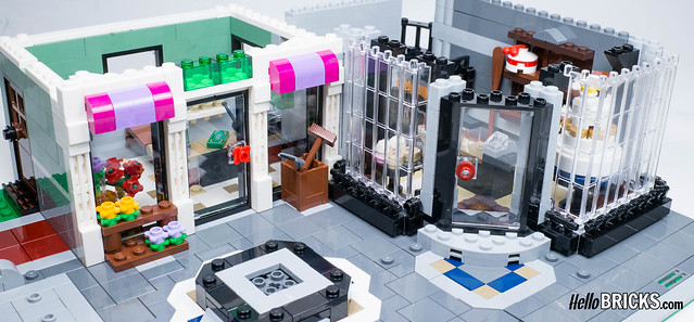 LEGO 10255 Assembly Square Modular