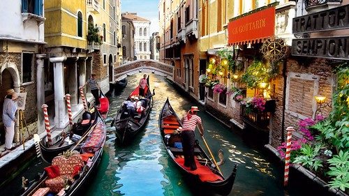 Romantic-walk-gondola-in-the-canals-of-Venice-wallpaper-hd-915x515