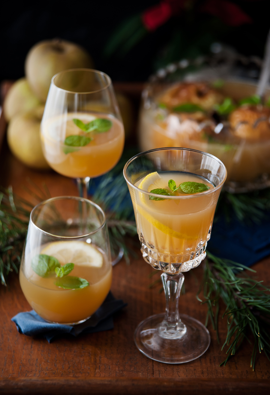 Christmas apple punch with herbs and spices that help digestion