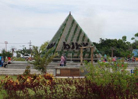 piramida botol
