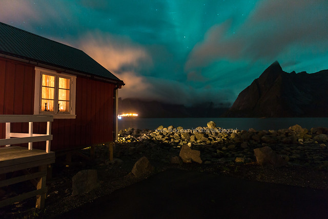 Northern Lights beside the Red Cabin (Rorbuer)