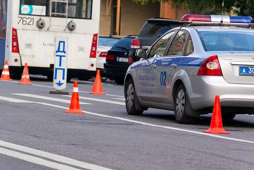 Пять человек пострадали при столкновении автобуса и грузовика в Подмосковье