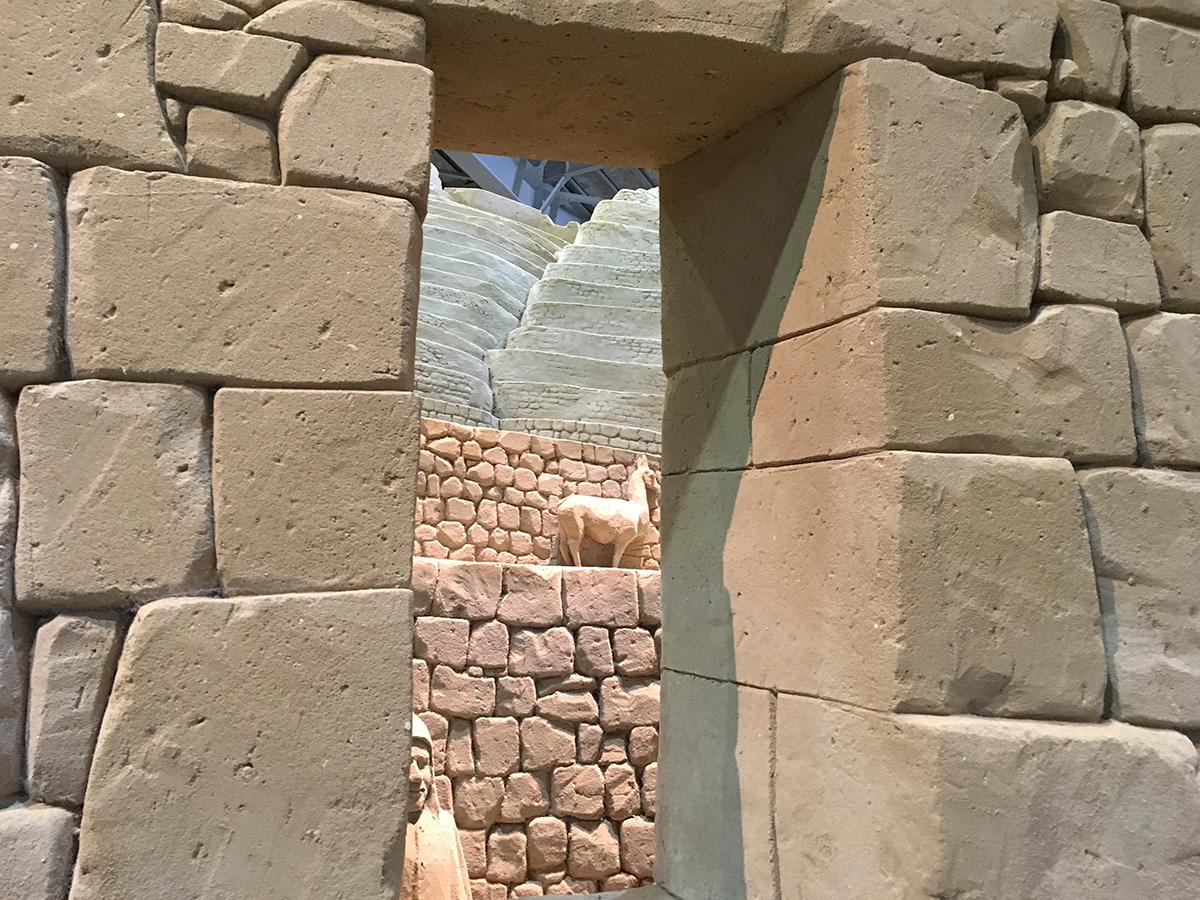 砂でできたレンガ壁