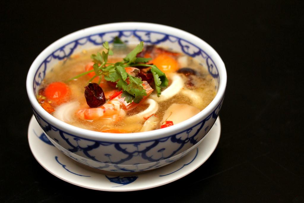 siam-society-clear-tomyam-seafood-soup