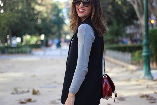 Chaleco negro_Rojo Valentino Blog (36)
