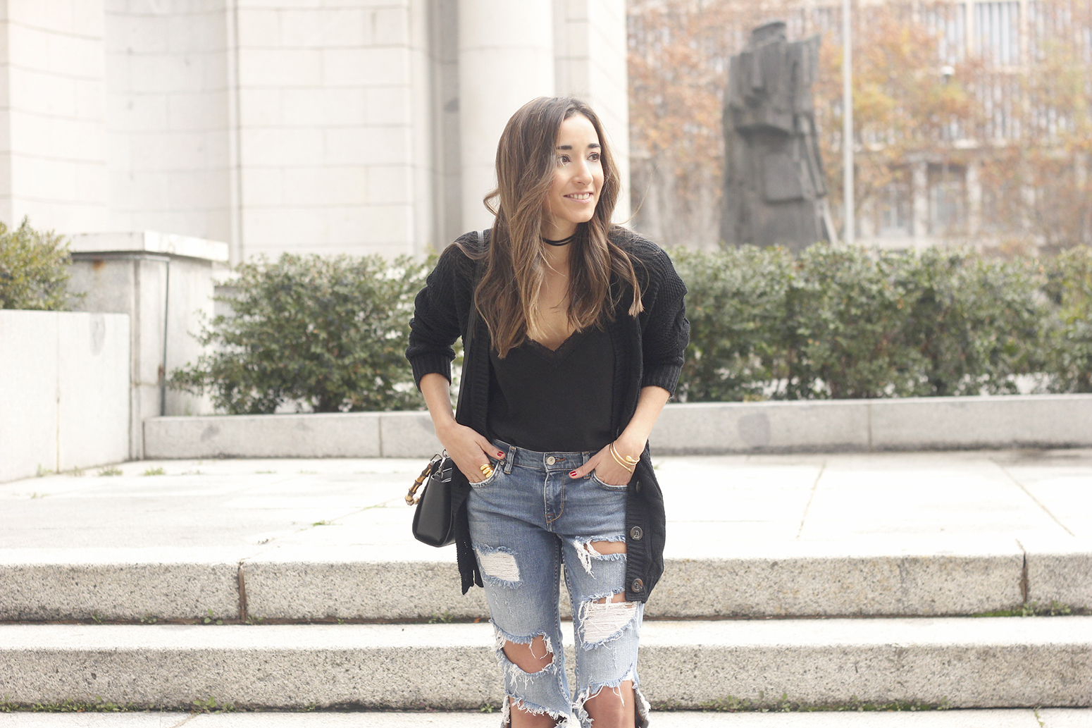black lace top ripped jeans black cardigan uterqüe bag accessories outfit style fashion heels08