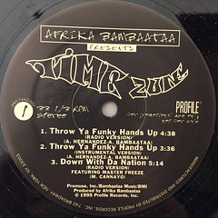 AFRIKA BAMBAATAA PRESENTS TME ZONE:THROW YA FUNKY HANDS UP(LABEL SIDE-A)