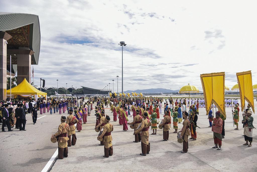 SPB Yang di-Pertuan Agong Keberangkatan Balik di Kompleks Bunga Raya KLIA