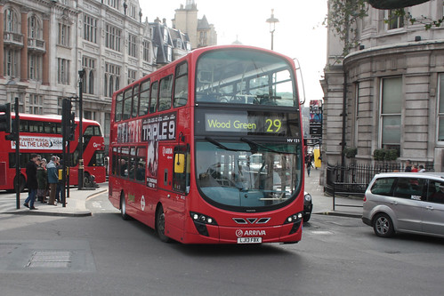 Arriva London North HV121 LJ13FBX