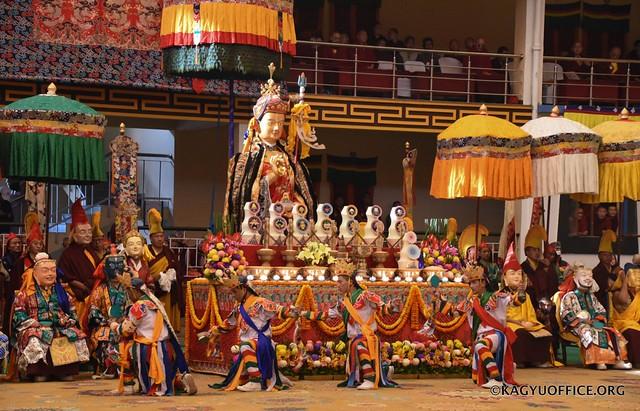 法王噶瑪巴出席印度智慧林猴年猴月蓮師初十法會
