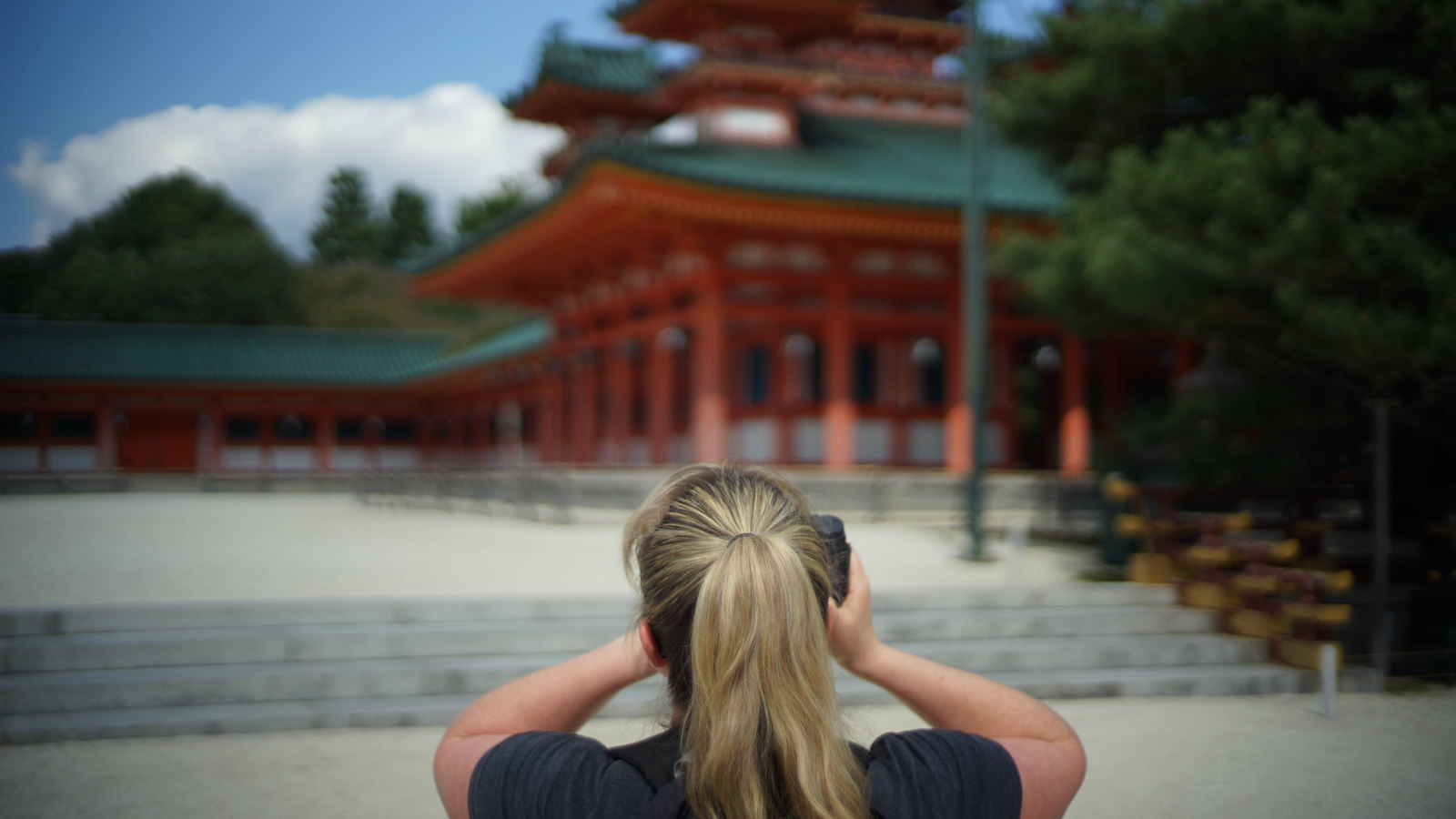Ambré at Heian Shrine. #foto #japan15 #SonyA7 #Voigtlander40mm #Kyoto #holga