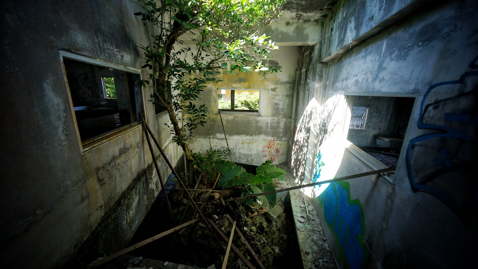 Just a little urbex while on holiday in Okinawa.