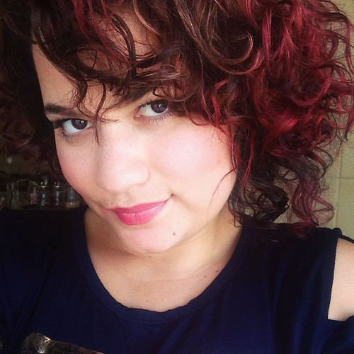 Curly Hair #selfie #jojoba #curlyhair #curly #dontcarecurlyhair #redhair #redtips #manicpanic