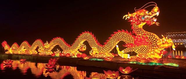 Drago cinese illuminato