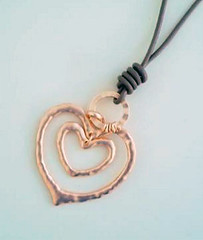 Lizzy O rose gold heart pendant