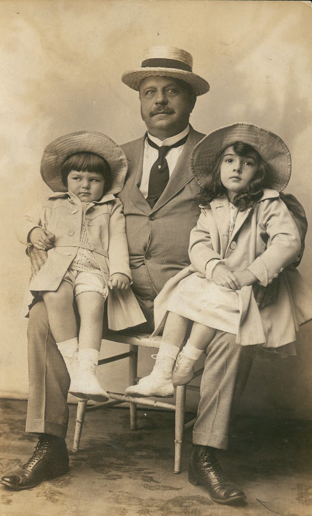 August-Busch-with-grandchildren