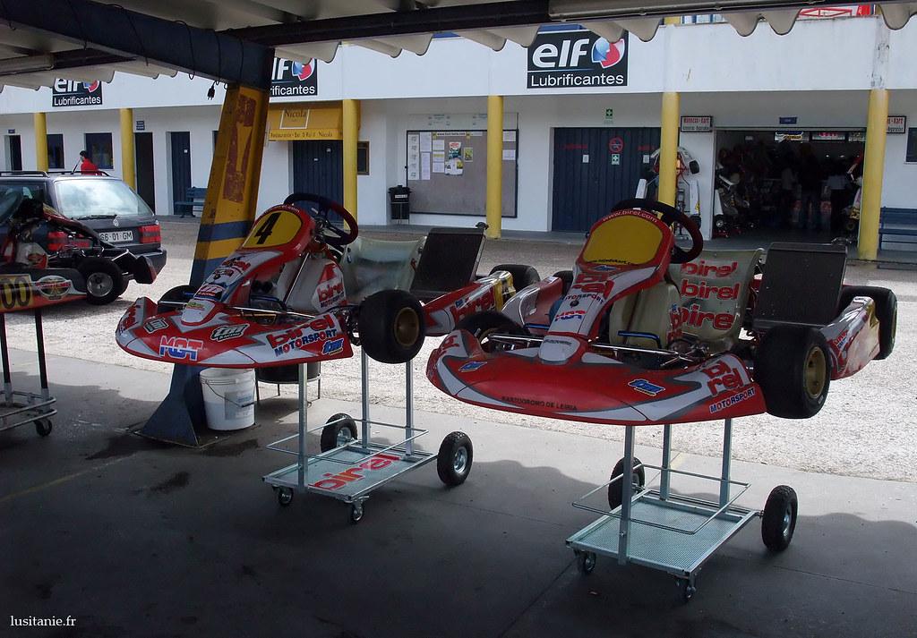Karts prêts à être bichonnés