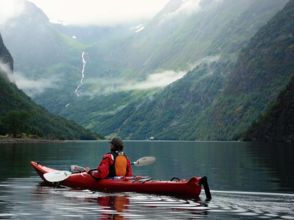 kayaking on the n230r248yfjord norway 169 scott