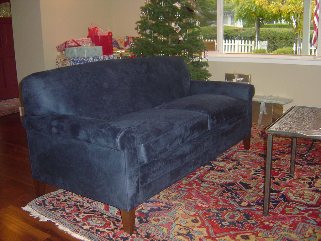 Blue sofa new sofa upholstered in navy blue microfiber for Navy blue microfiber sectional sofa