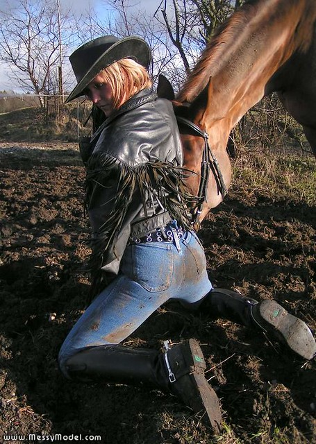 Messymodel04588 Tight Wet And Muddy Jeans And Riding