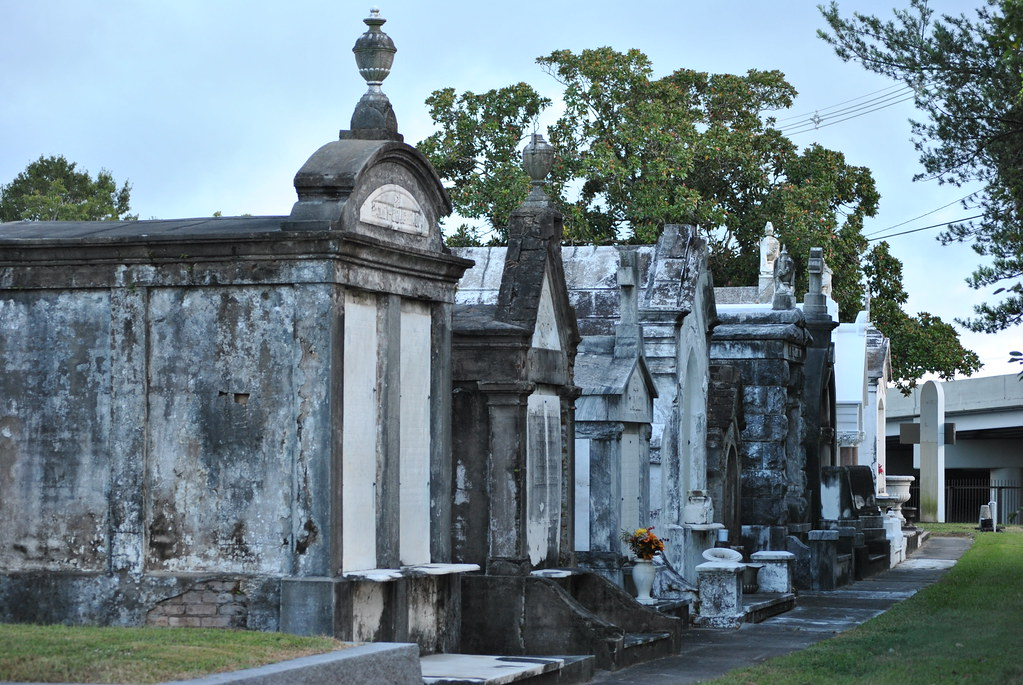 Metairie Cemetery Metairie Cemetery Has The Largest