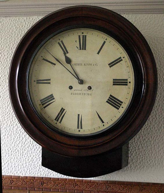 Camera Kuss Double Fusee wall clock | Wood plate movement